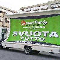Campagna Pubblicitaria vele e volantinaggio maxiTrendy Sport Fashion